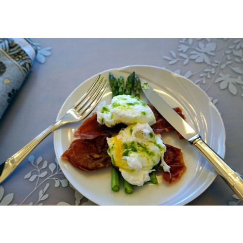 Poached Eggs with Asparagus, Proscuitto, and Chive Oil
